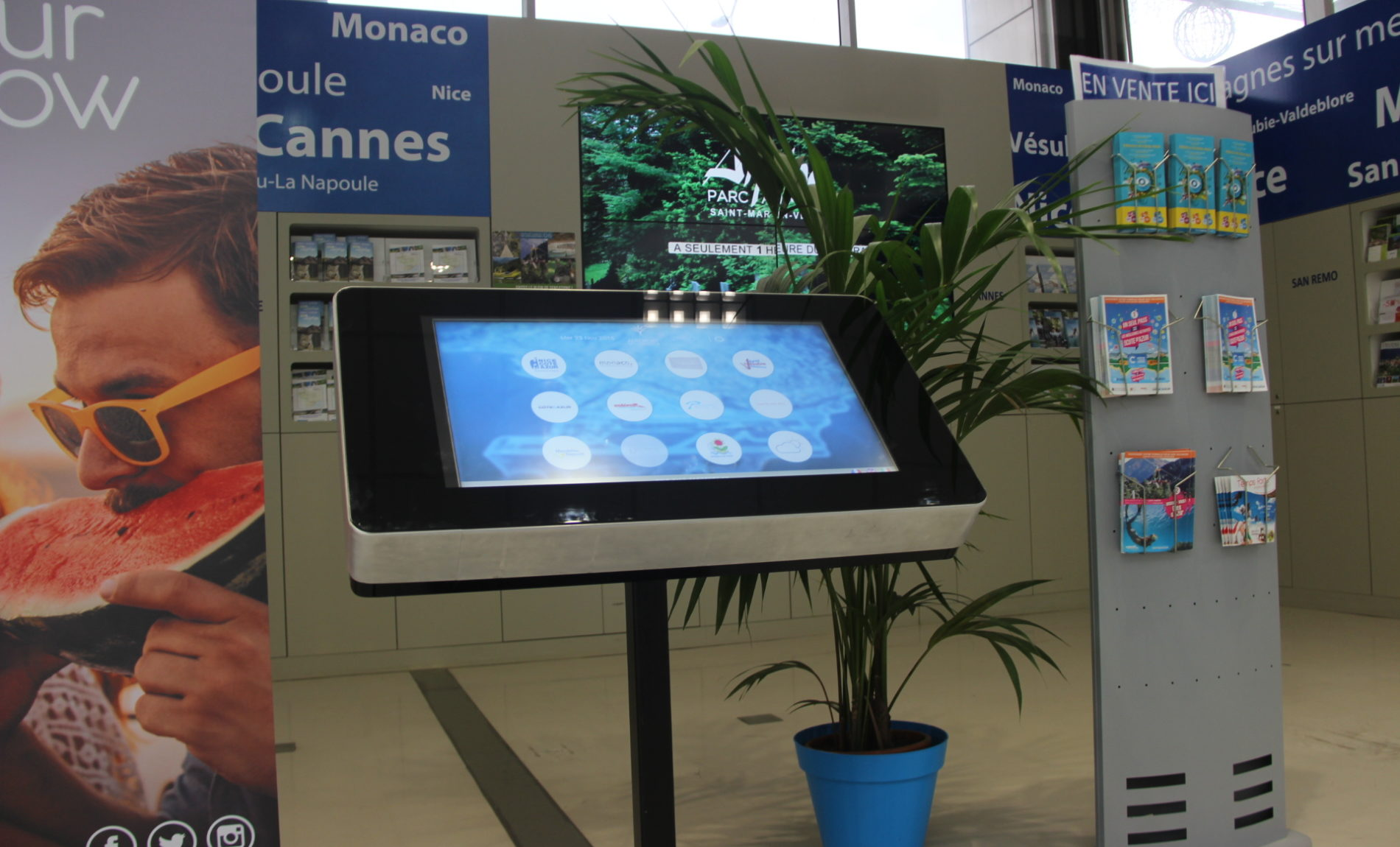 Borne interactive aéroport Nice