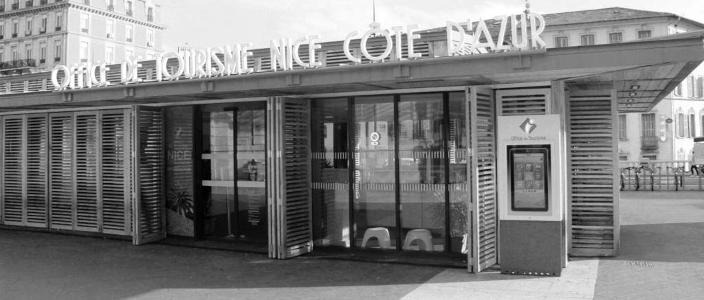 Totems tactiles dans la ville de Nice