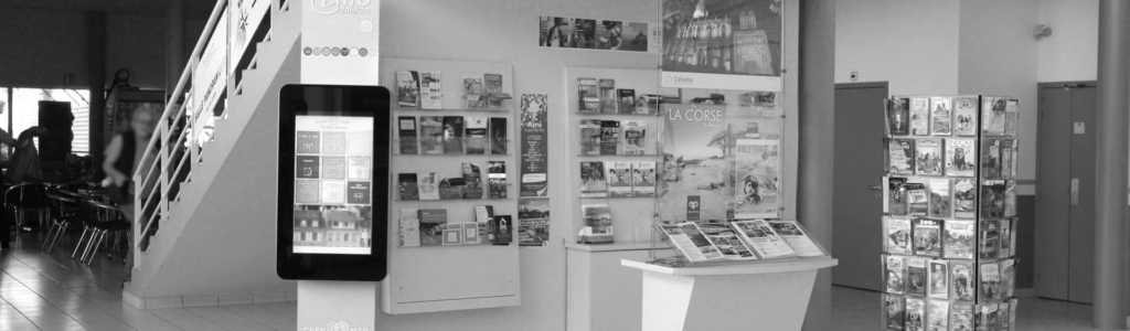 Borne d'information interactives à l'aérogare de Carpiquet