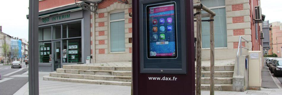 Totem extérieur St-Vincent-de-Paul- mobilier urbain interactif