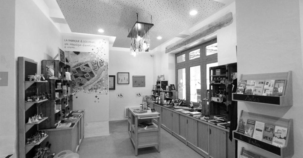 Espace 2 : La boutique - accueil scénographique