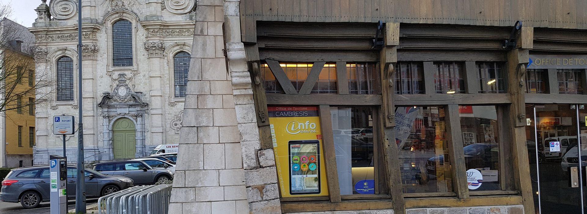 Borne touristique d'information cambrai