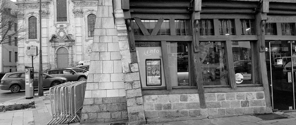 Accueil borne touristique d'information cambrai