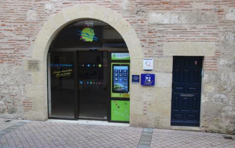 une borne avec une application touristique à Marmande