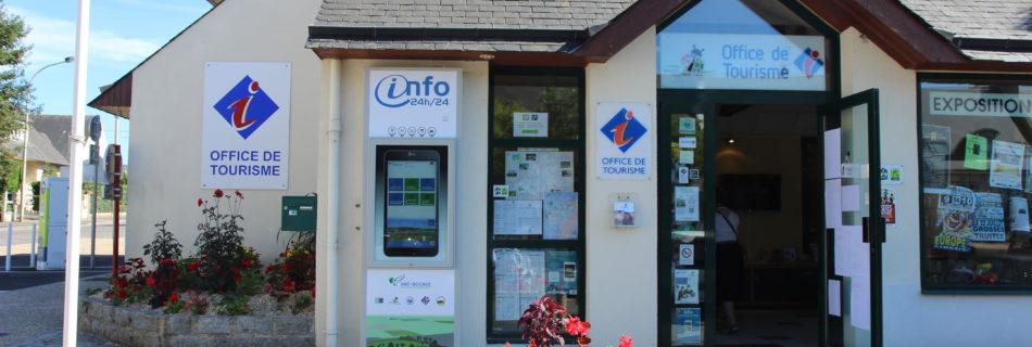 Totem interactif devant l'office de tourisme Pré bocage Interncom