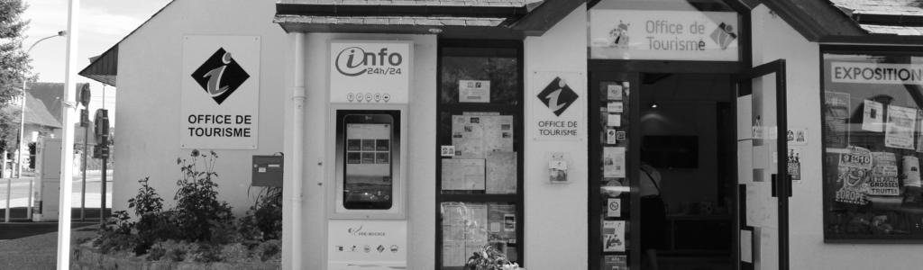 Outils interactifs Totem interactif devant l'office de tourisme Pré bocage Interncom