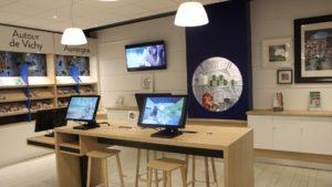 Ecrans interactifs et tablettes à Vichy Destinations