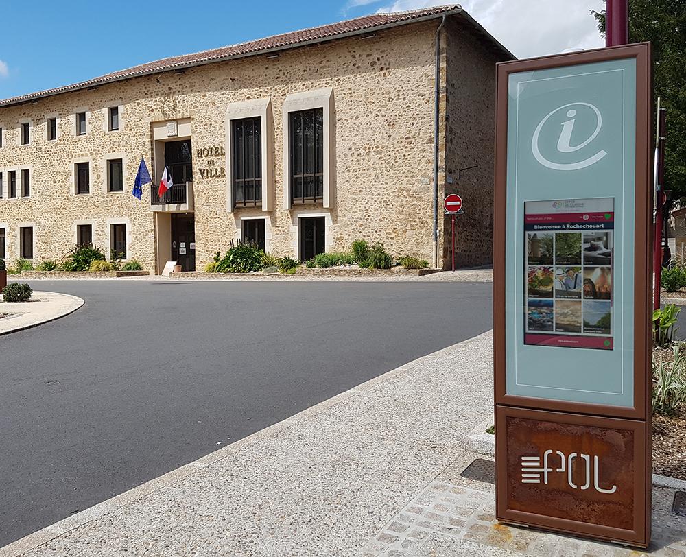 borne rochechouart monument historique